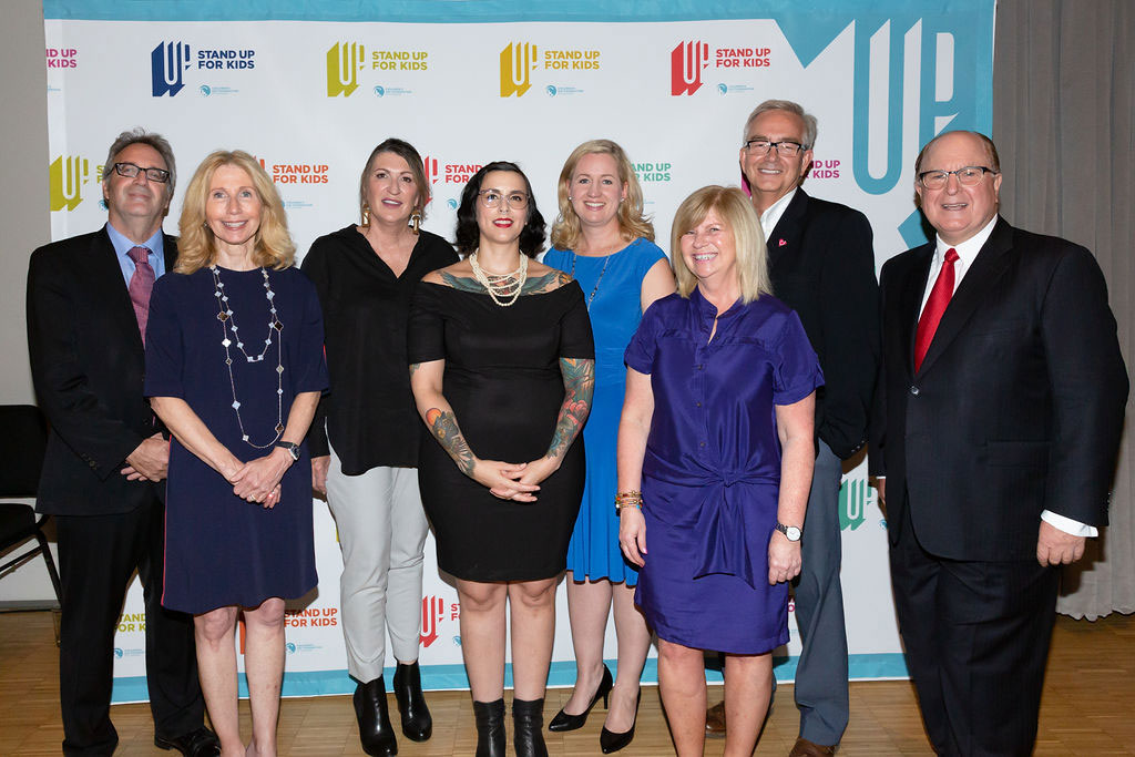 Lynn Factor Stand Up for Kids National Award finalists Irwin Elman, Tammy Roberts, Melanie Doucet, Sara Austin, Heather Modlin, and Wade Johnston with Award Committee Chair Don Guloien and Lynn Factor.